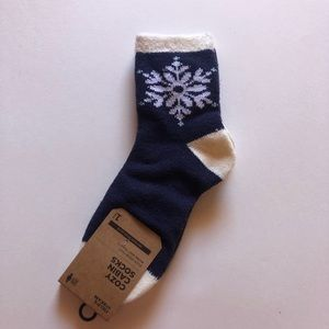 Blue and White Snowflake Cozy Cabin Socks